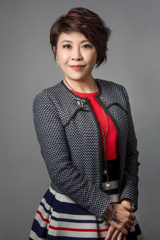Pam Mak  - portrait